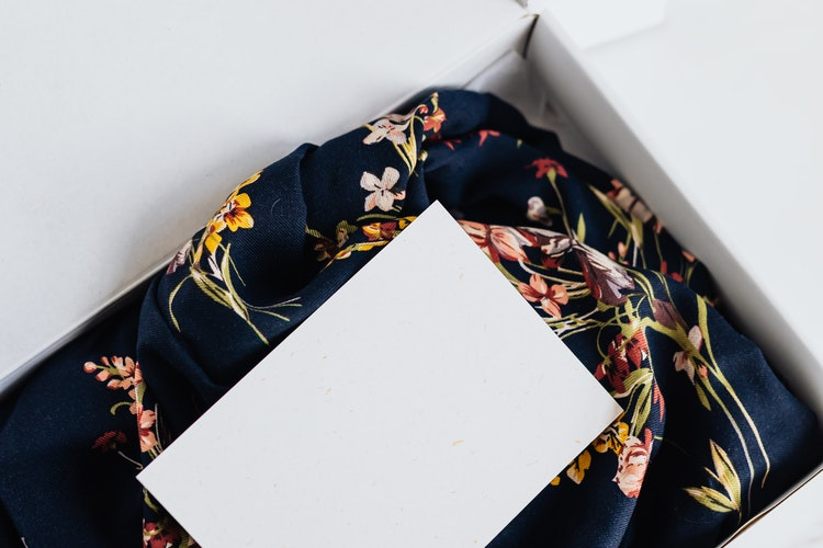 kleding box